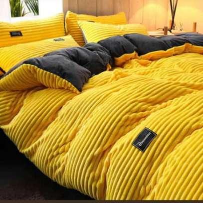 6*6 Heavy Flannel Blanket, 1 Fleece bedsheet, 2 Pillow cases image 1