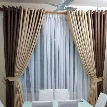 BLENDED COLOURED CURTAINS image 2