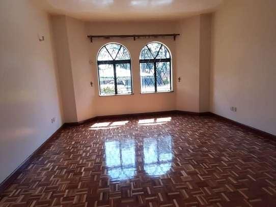 4 bedroom apartment for rent in Rhapta Road image 10