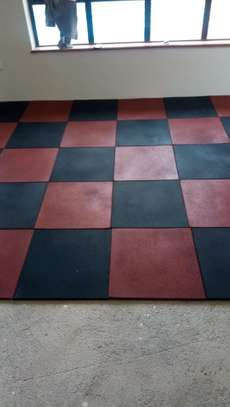 gym/rubber tiles image 1