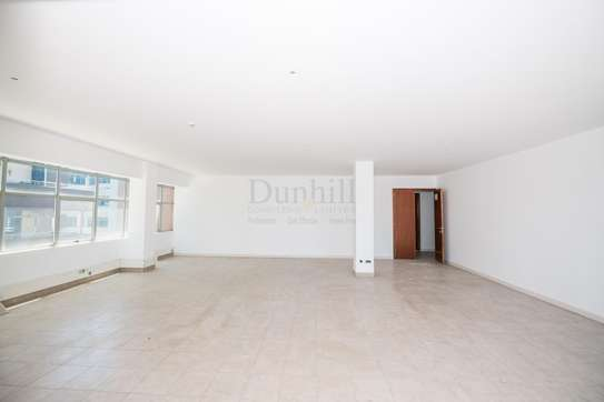 900 ft² office for rent in Westlands Area image 10