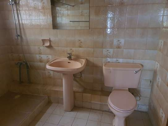 5 bedroom townhouse for rent in Westlands Area image 15