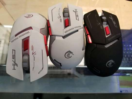wired & wireless rechargeable gaming mouse image 3
