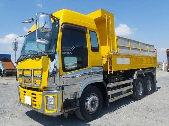 Isuzu Trucks & Trailers for Sale in Kenya | PigiaMe