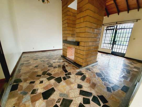 5 bedroom house for rent in Lavington image 19