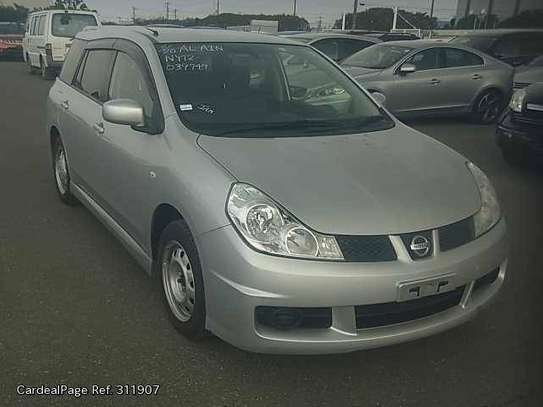 Nissan Wingroad image 1