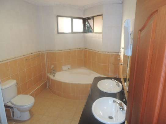 3 bedroom apartment for rent in Milimani image 15