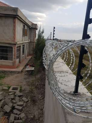 Electric fence and Razor wire installation at affordabe Rates