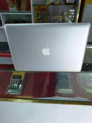 Macbook pro core i5 image 3