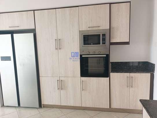 3 bedroom apartment for rent in Rhapta Road image 10