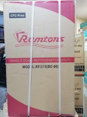 Ramtons rf 215 single door fridge image 1