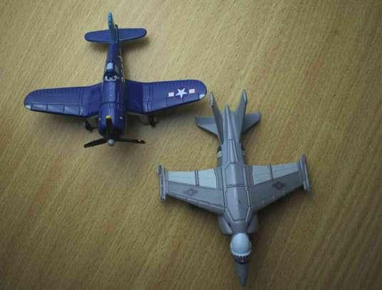 2 Pieces Metalic Kids Plane image 4