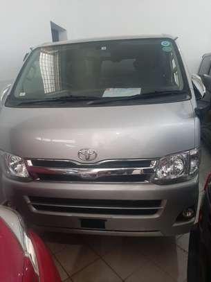 Toyota HiAce KDH200 image 1