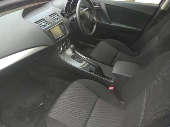 Mazda Axela2013 image 4