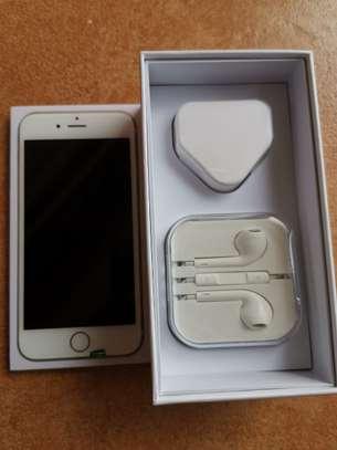 Iphone 6 (64 GB) image 3