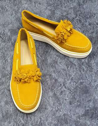 Fancy rubber sole shoes image 2