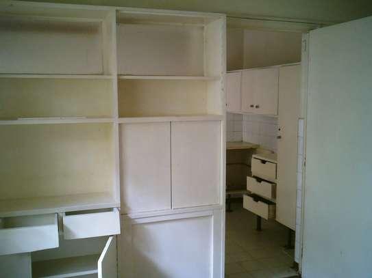 Lovely & Unique Spacious 2 Bedrooms Flat In Westlands Rhapta Road image 6