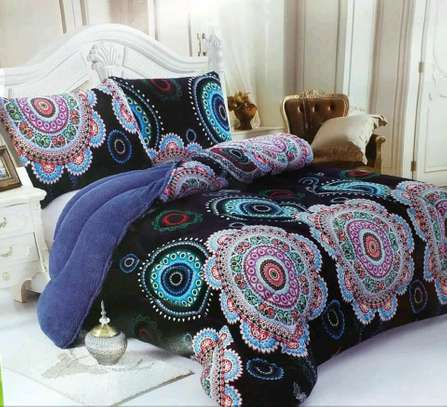 Woolen duvet with two pillow cases