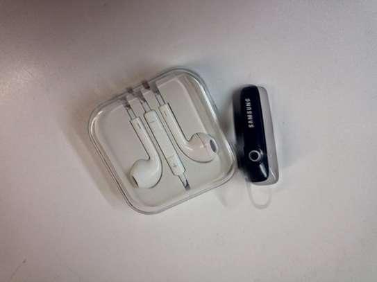 Wireless headphones + free earphones image 1