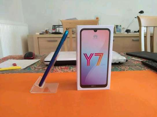 Huawei Y7 prime 32gb 3gb ram/Single Line+ Delivery image 1