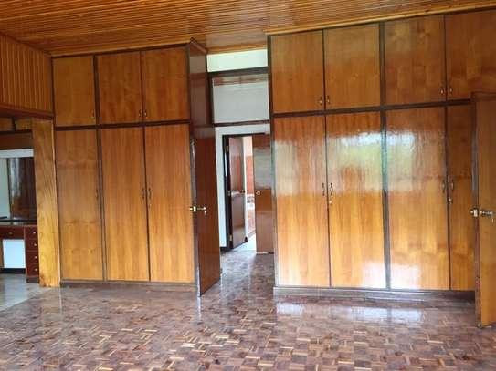 5 bedroom apartment for rent in Nyari image 5