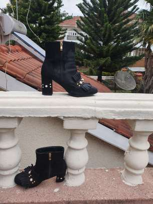 Black Ankle boots image 3