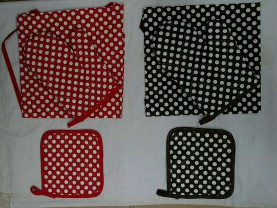 3pc dotted aprons red and brown image 1