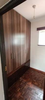 5 bedroom house for rent in North Muthaiga image 12