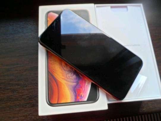 Apple Iphone Xs Gold [ 512 Gigabytes ] image 2