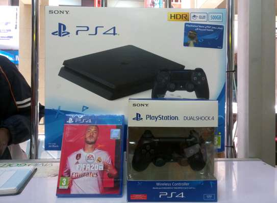 PS4 slim 500gb FIFA 20 Bundle + Extra Controller