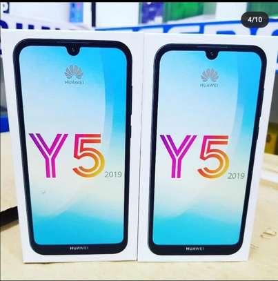 Huawei Y5 2019, 32GB + 2GB (Dual SIM) image 1