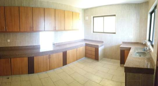 3br penthouse apartment for rent in old Nyali. Id 2105 image 8