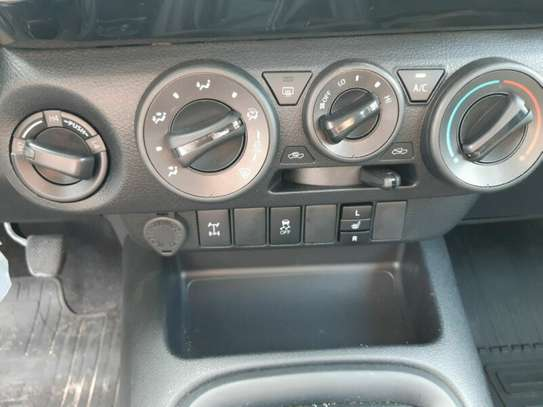 Toyota Hilux image 11