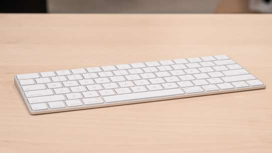 Apple Magic Keyboard image 2