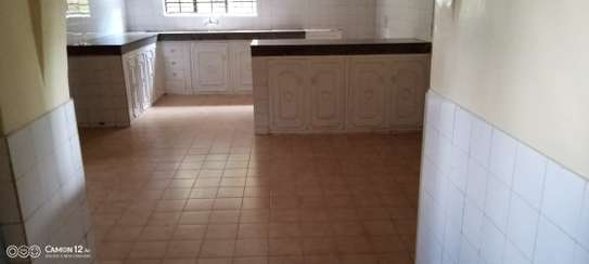 5 bedroom house for rent in Loresho image 9