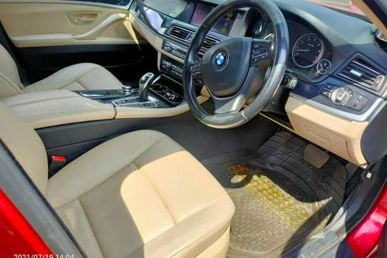 BMW 520i image 4