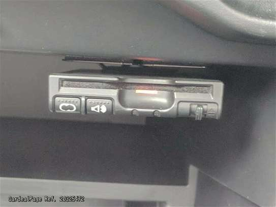 Nissan Note image 6