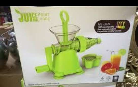 Manual juicer image 1