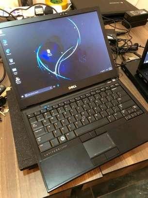 Dell latitude e4300 core 2 duo 4GB /320GB HDD 13.3Display image 1