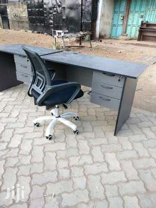 Office desk and Chairs. image 2