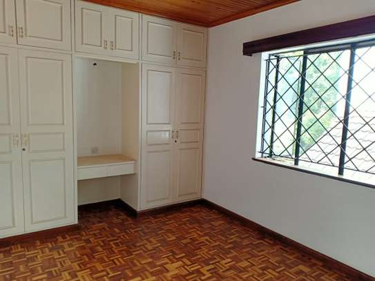 4 bedroom house for rent in Brookside image 8