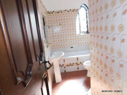 6 bedroom house for rent in Nyali Area image 3