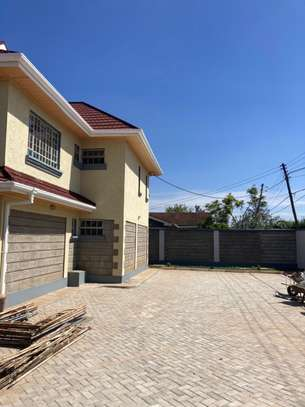 brand new 3bedroom house to let image 5