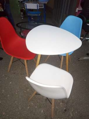 3 Seater Eames Set-up image 1