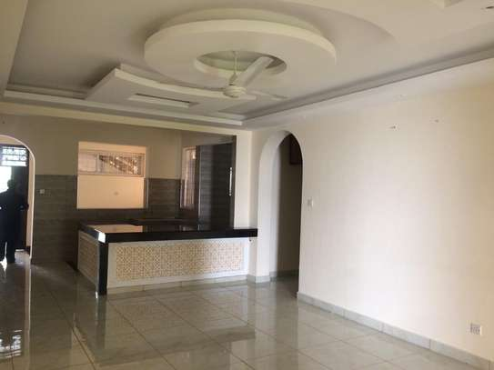 2br Ocean Front Apartment For Rent In Nyali. AR30 image 2