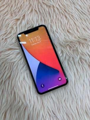 Apple Iphone 11 White  [ 256 Gigabytes ] image 3
