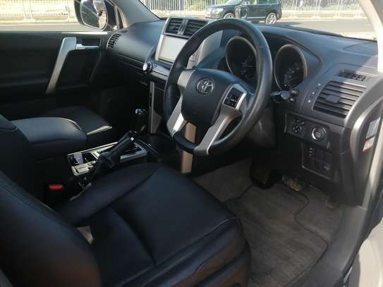 Toyota Prado TX 2013 with Sunroof and leather seats image 10