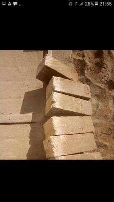 Machine Cut Stones supplier/ndarugo bricks image 2