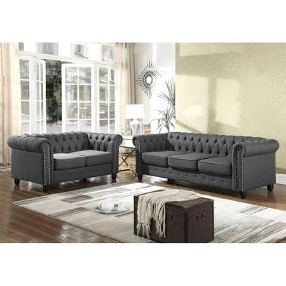 Elegant Quality 5 Seater Chesterfield Sofa image 1