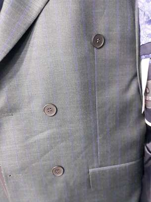 Ash grey checked double-breasted make suit 100% wool. image 2